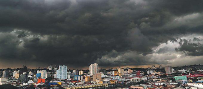 Chuvas deixam 800 mil sem energia em São Paulo