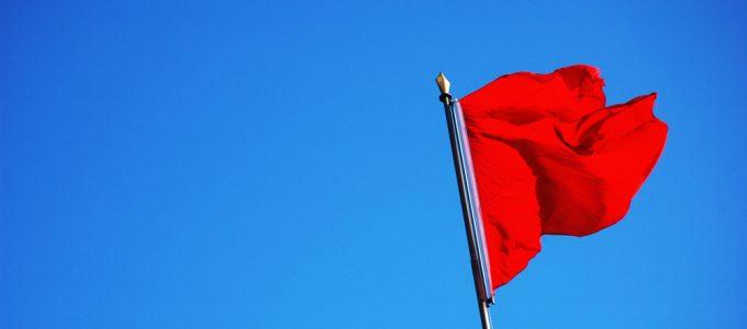 Bandeira para o mês de maio é vermelha patamar 1