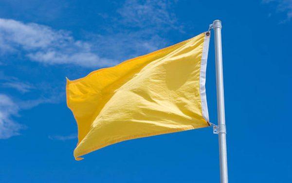 Em maio, bandeira amarela