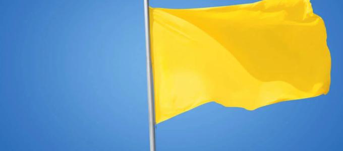 Bandeira em fevereiro segue amarela